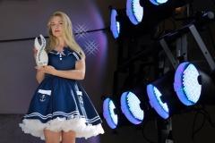 Model Frau blond blaues Seemannskleid