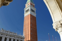 Venedig Markusplatz Dogenpalast-Arkaden Campanile